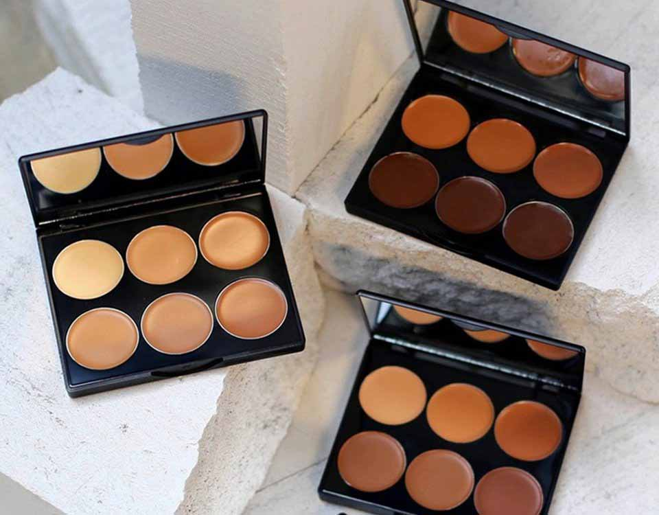 contouring-palette-sleek-makeup-tablet