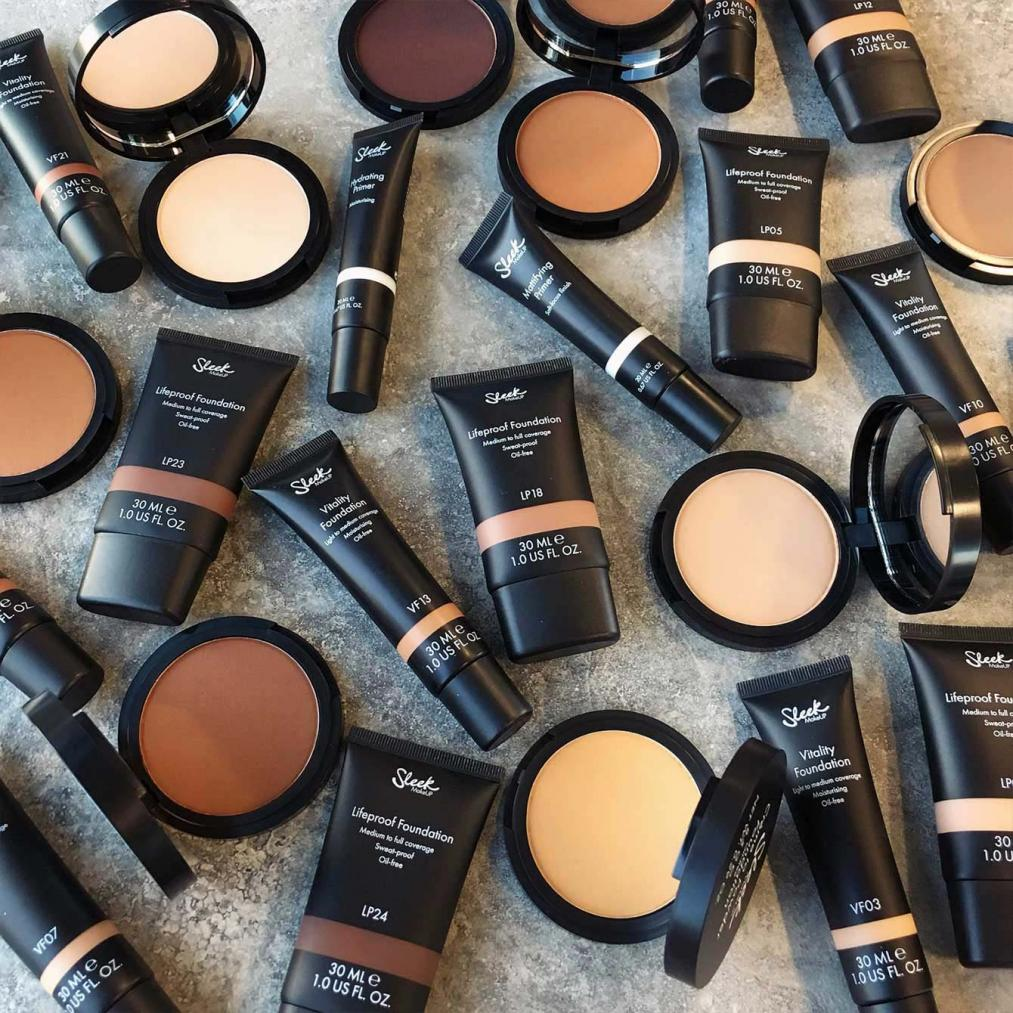 Creme to Powder Foundation Range 02 Sleek Makeup