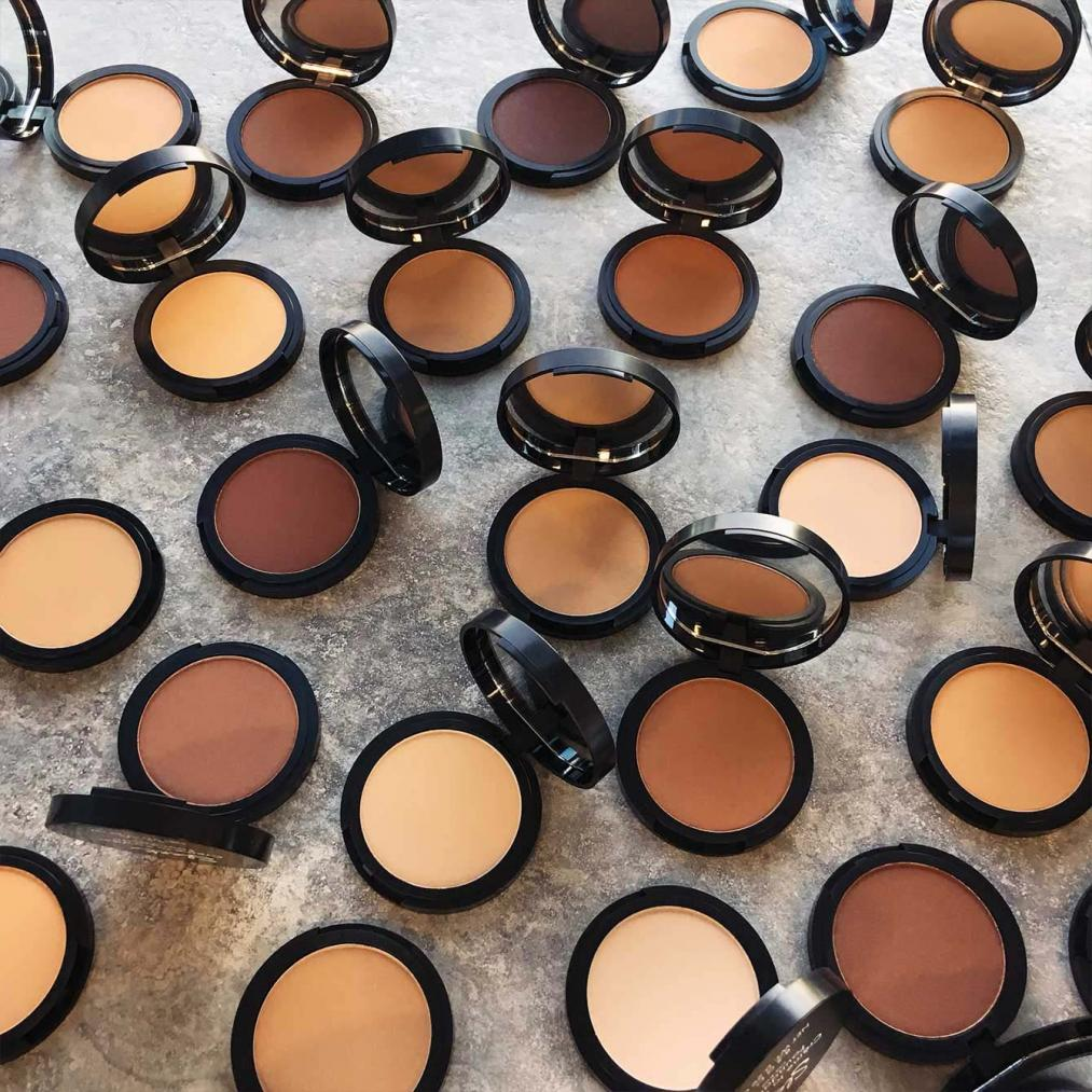 Creme to Powder Foundation Range Sleek Makeup